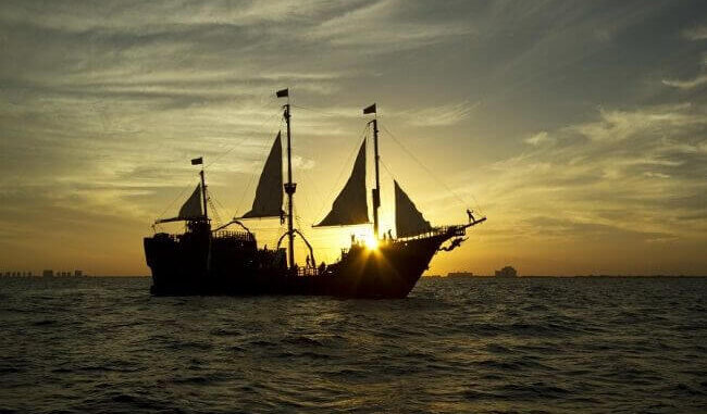 What's the Best Pirate Show in Cancun?